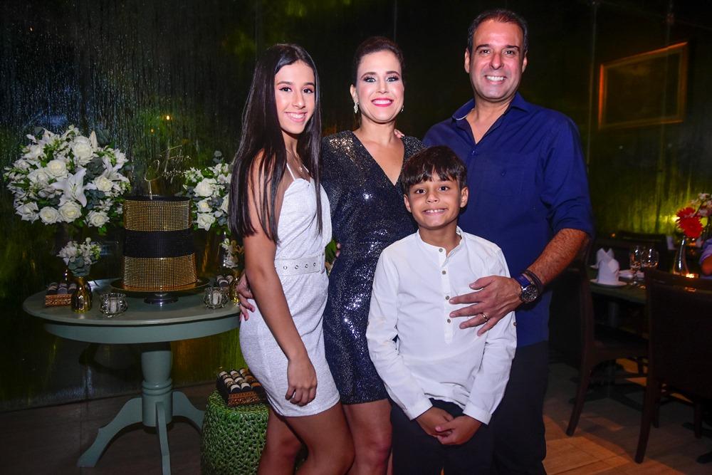 Manuela, Cibele, Fábio E Fabinho Campos