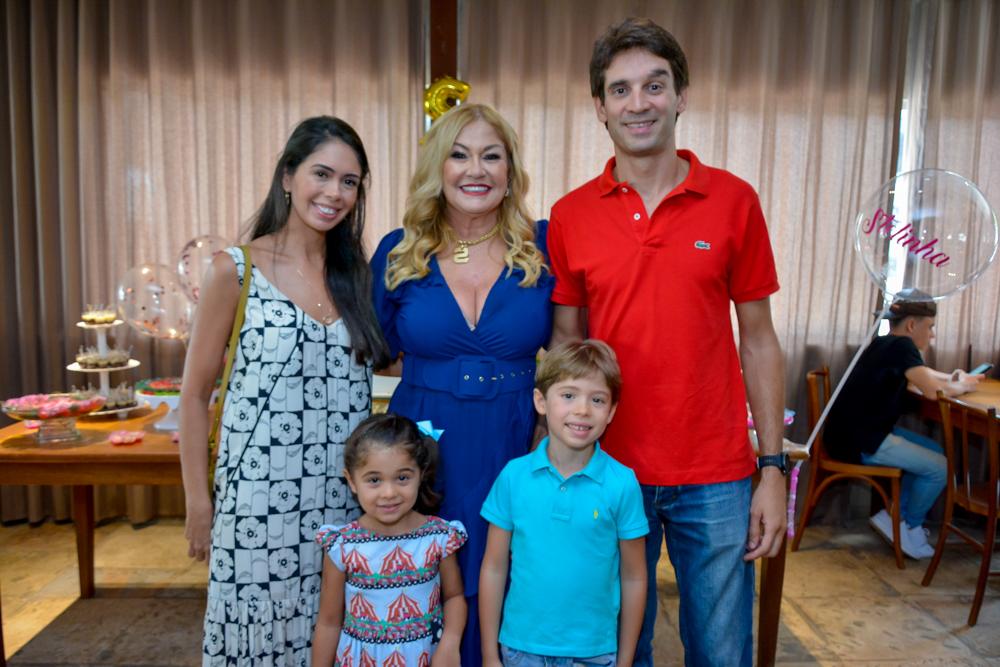 Marcela, Stela, Laura E João Salles E João Braga