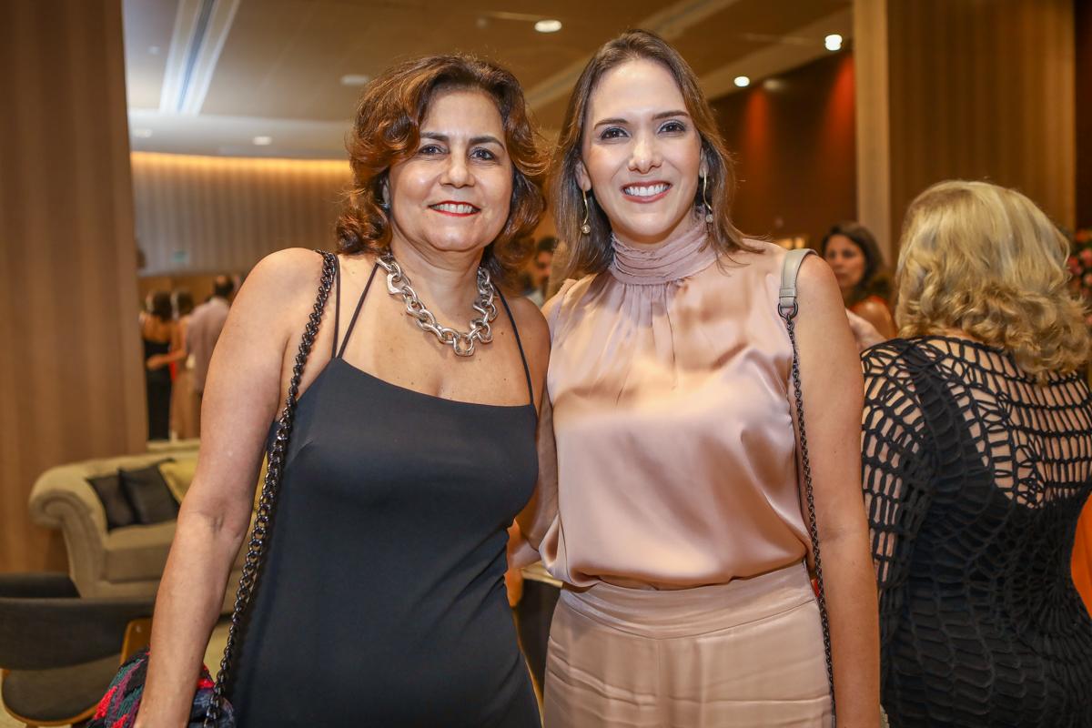 Marcia Cavalcante E Renata Santos