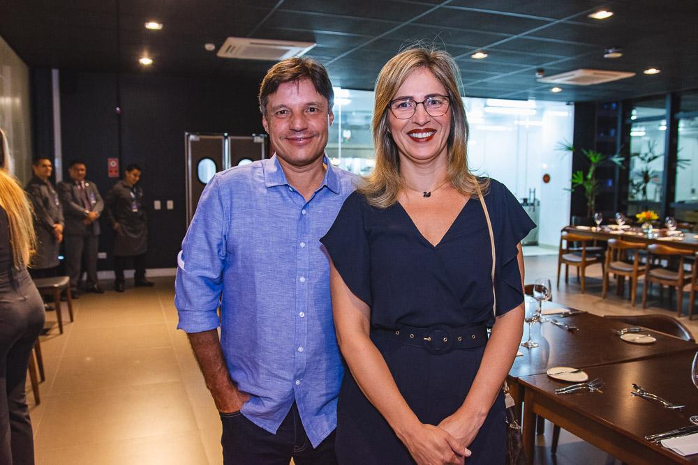 Marcio Augusto Montella E Renata Neves