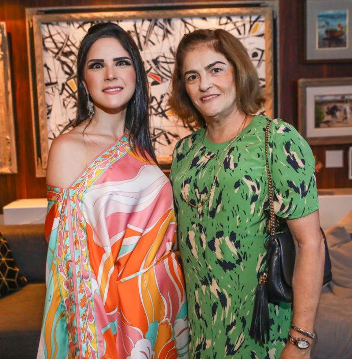 Marilia Vasconcelos E Carla Bezerra Lima