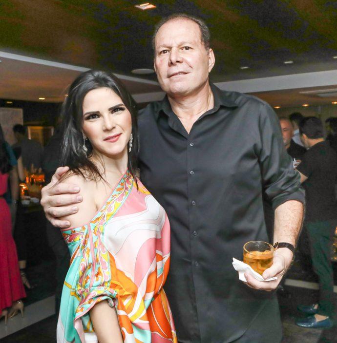 Marilia Quintao Vasconcelos E Julio Ventura