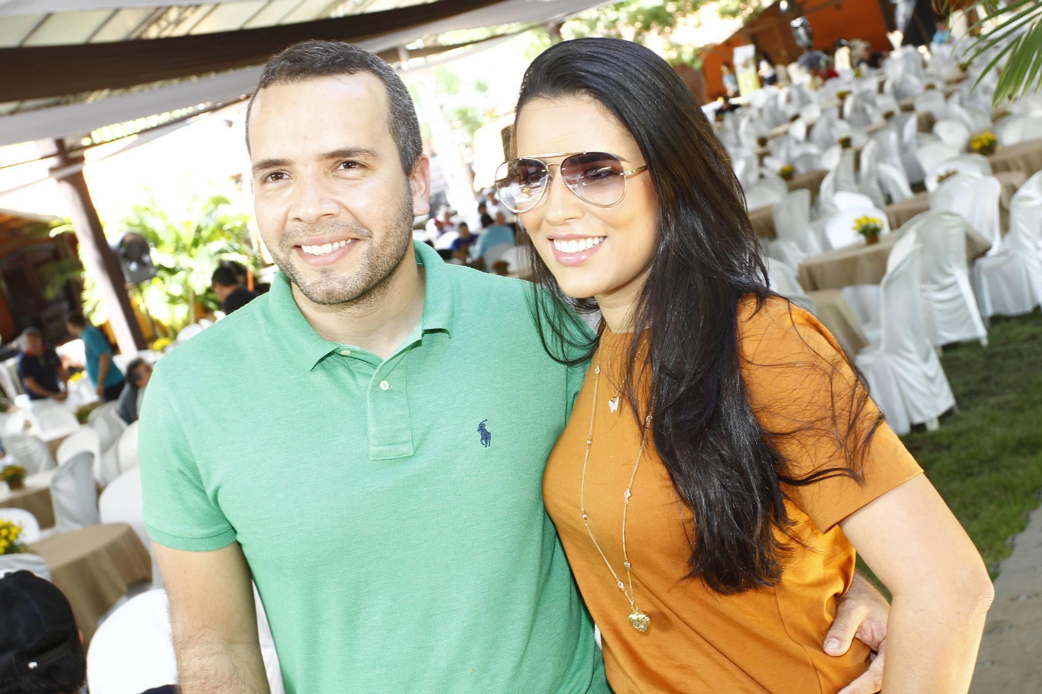 Matheus Menezes E Mara Andrade