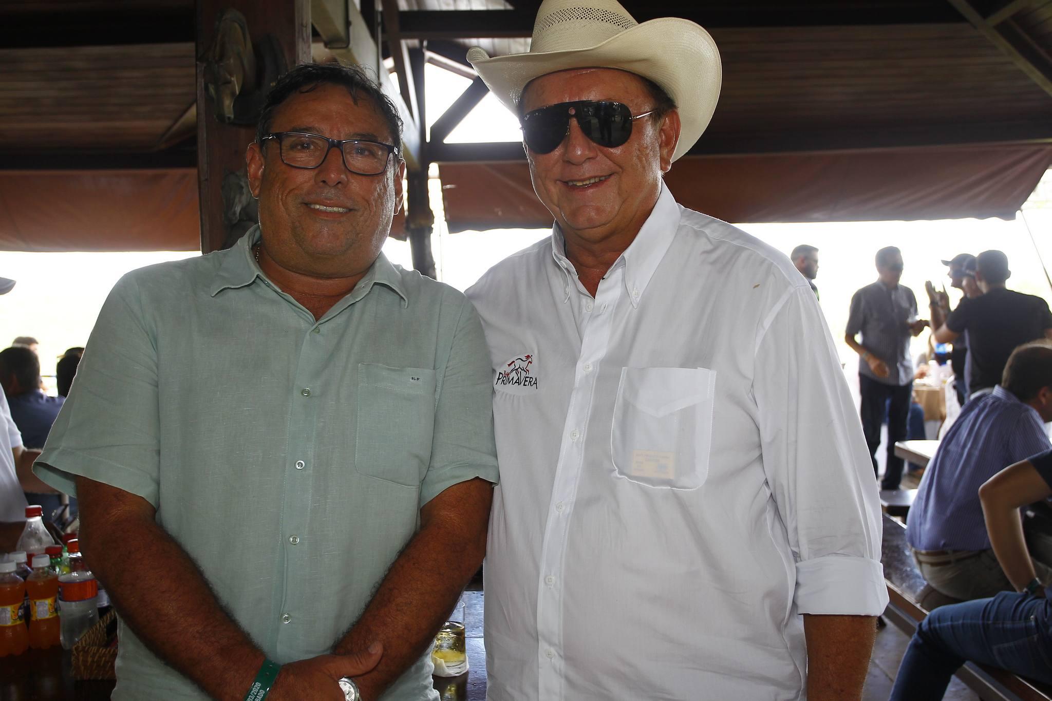 Mauricao E Rafael Leal