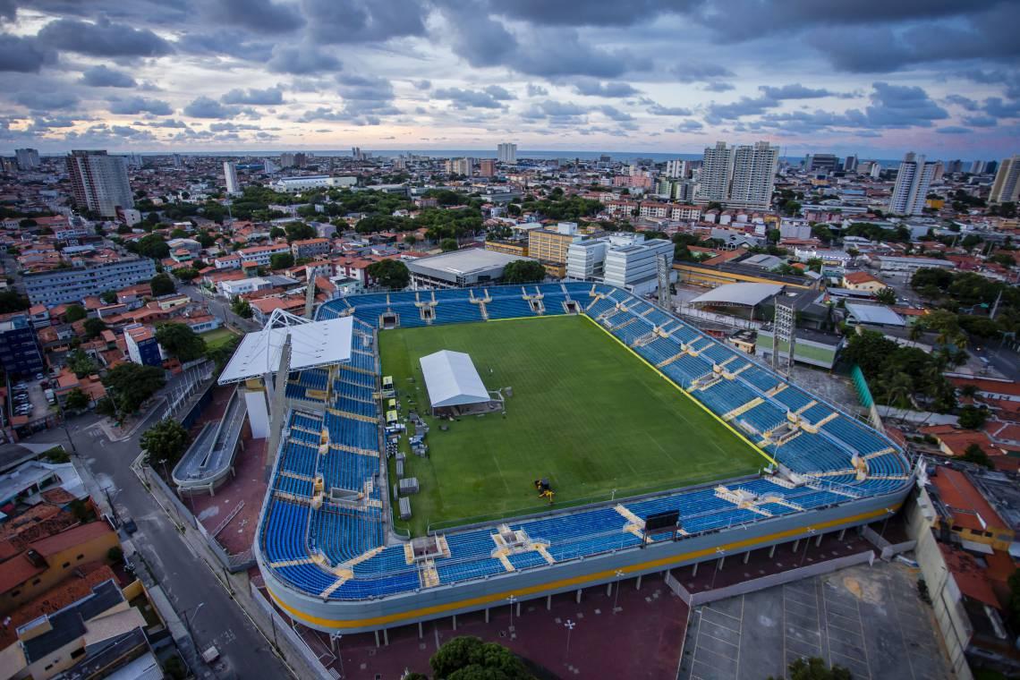 Hospital de campanha no Estádio Presidente Vargas estará pronto até 20 de abril, promete RC