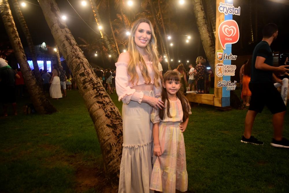 Monique Sales E Maria Clara Aragão