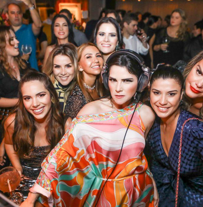 Nicole Carapeba, Roberta Quaranta, Weine Moreira, Camile Carneiro, Marilia Quintao, Manoela Pimenta E Lana Barreira