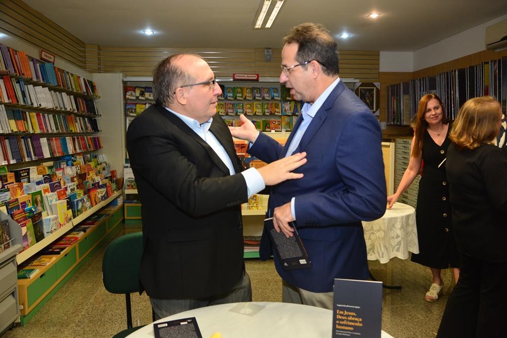 Padre Eugênio Pacelli E João Milton