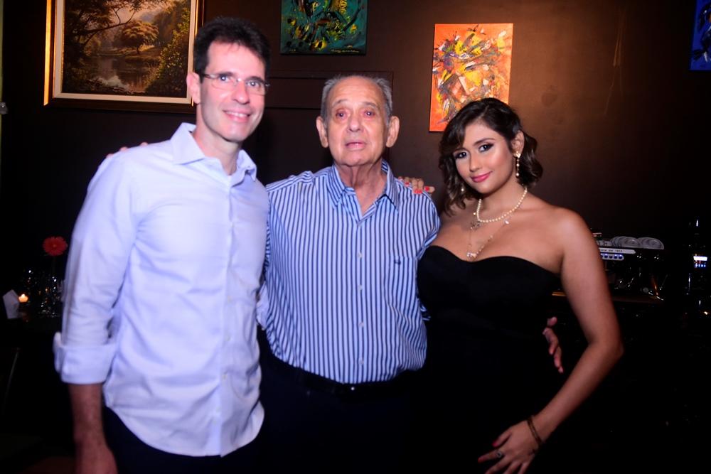 Paulo Barbosa,bernardo Campos E Marina Campos