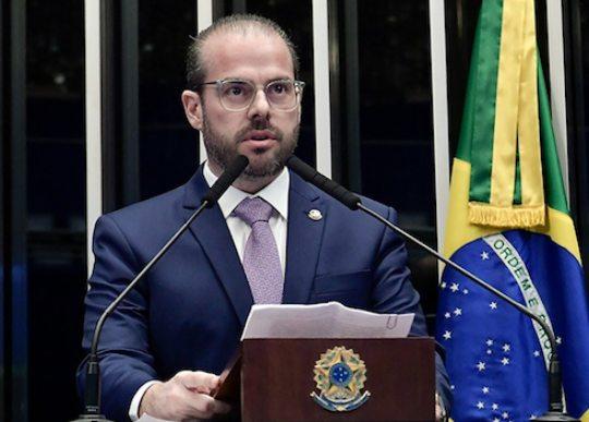 Prisco Bezerra testa Covid-19 positivo e participará de sessão remota do Senado