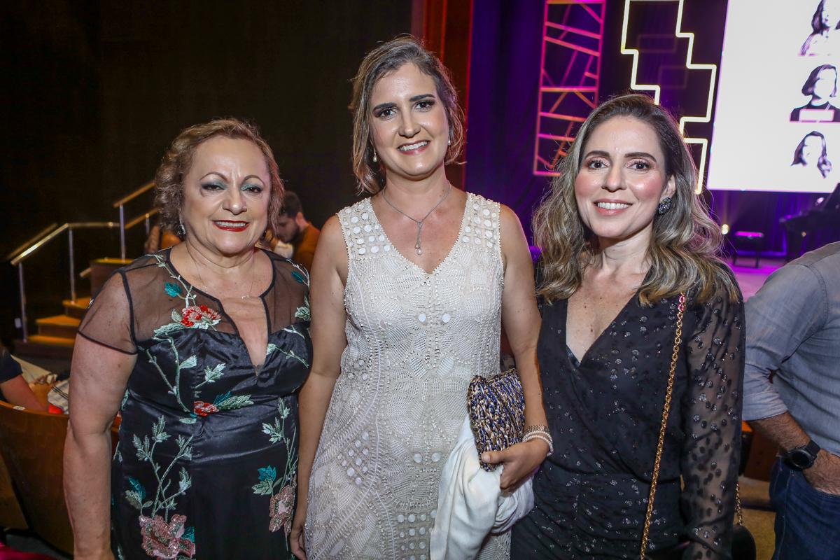Regina Costa E Silva, Manuela Nogueira E Agueda Muniz