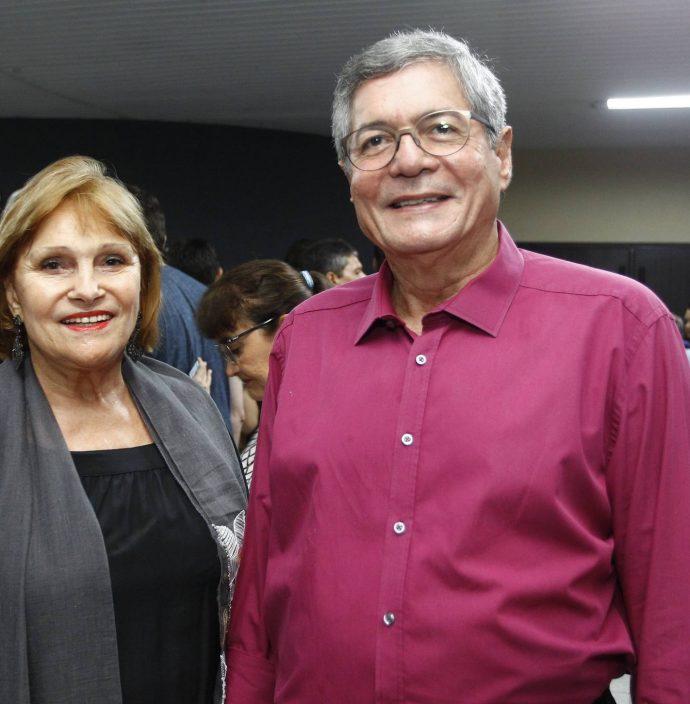 Reinhilda E Mario Lima