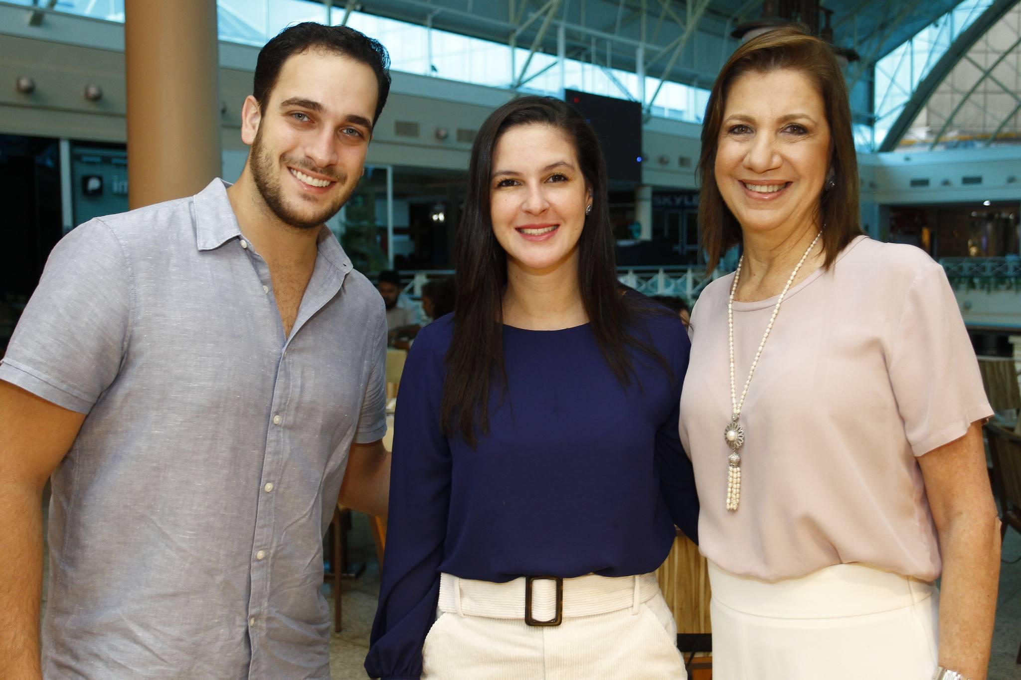 Ricardo Brasil, Naiana Lima E Ana Luiza