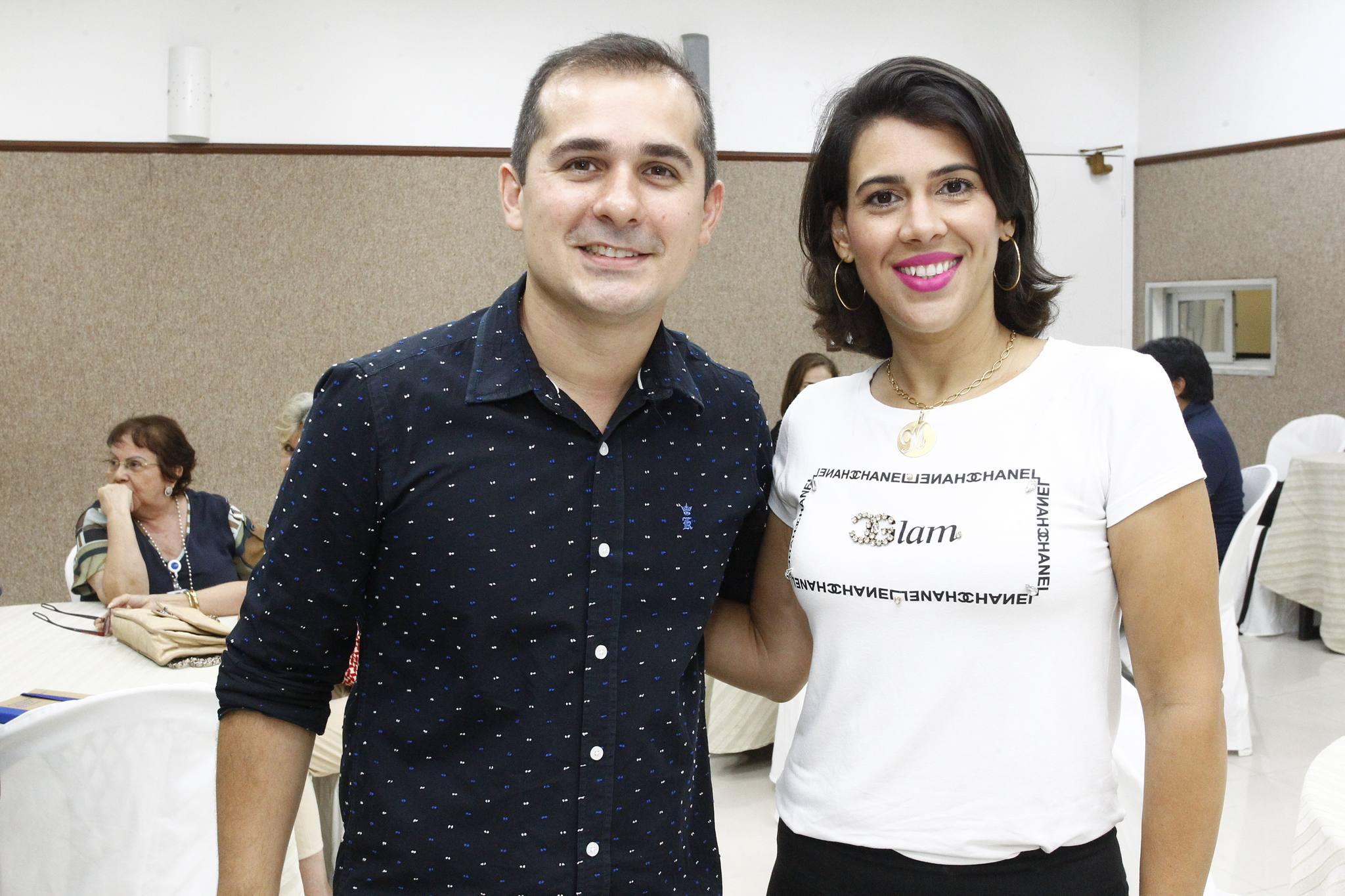 Roberto Leite Junior E Miriam Bastos