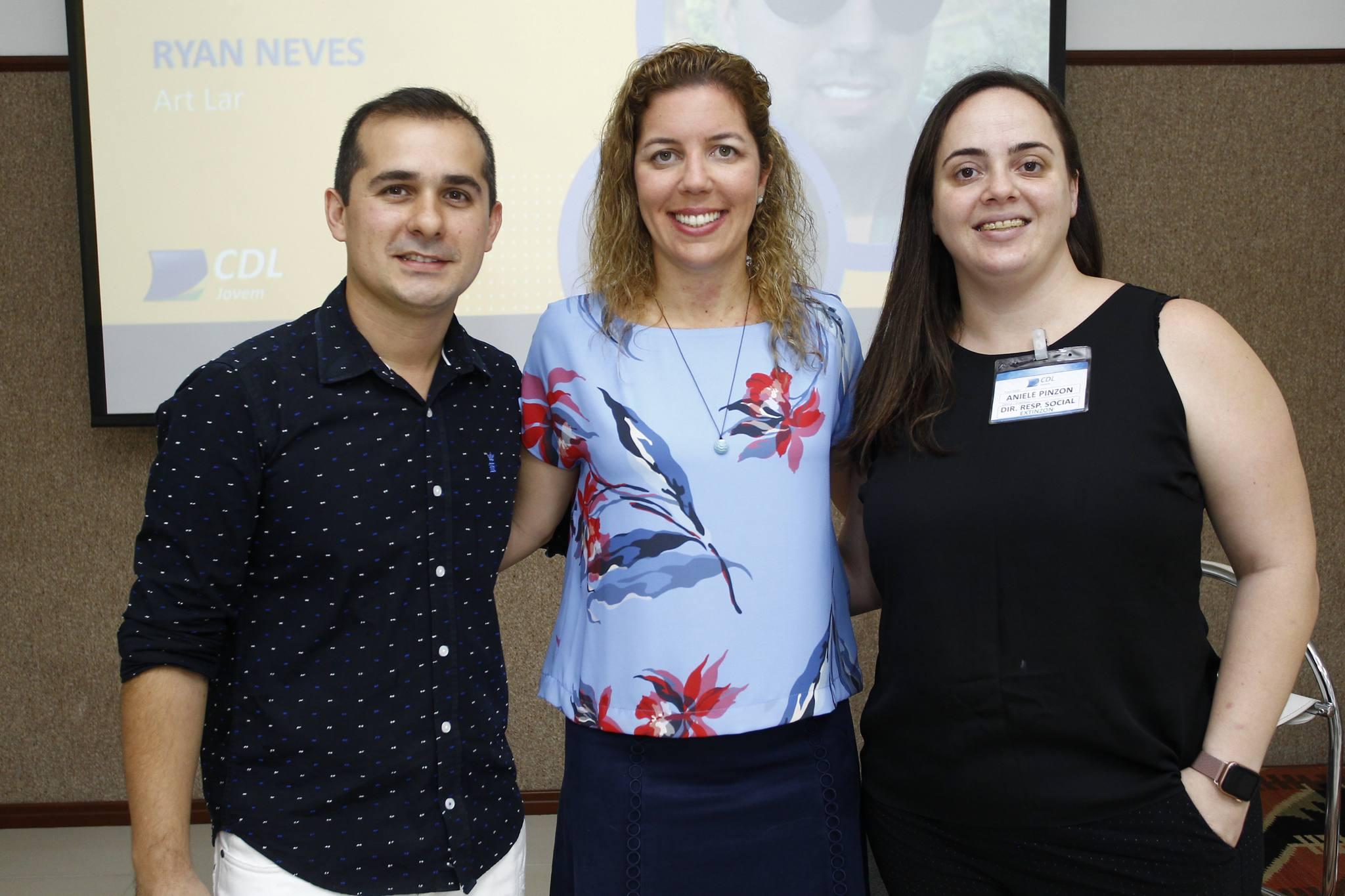 Roberto Leite Junior, Ticiana Queiroz E Aniele Pinzon