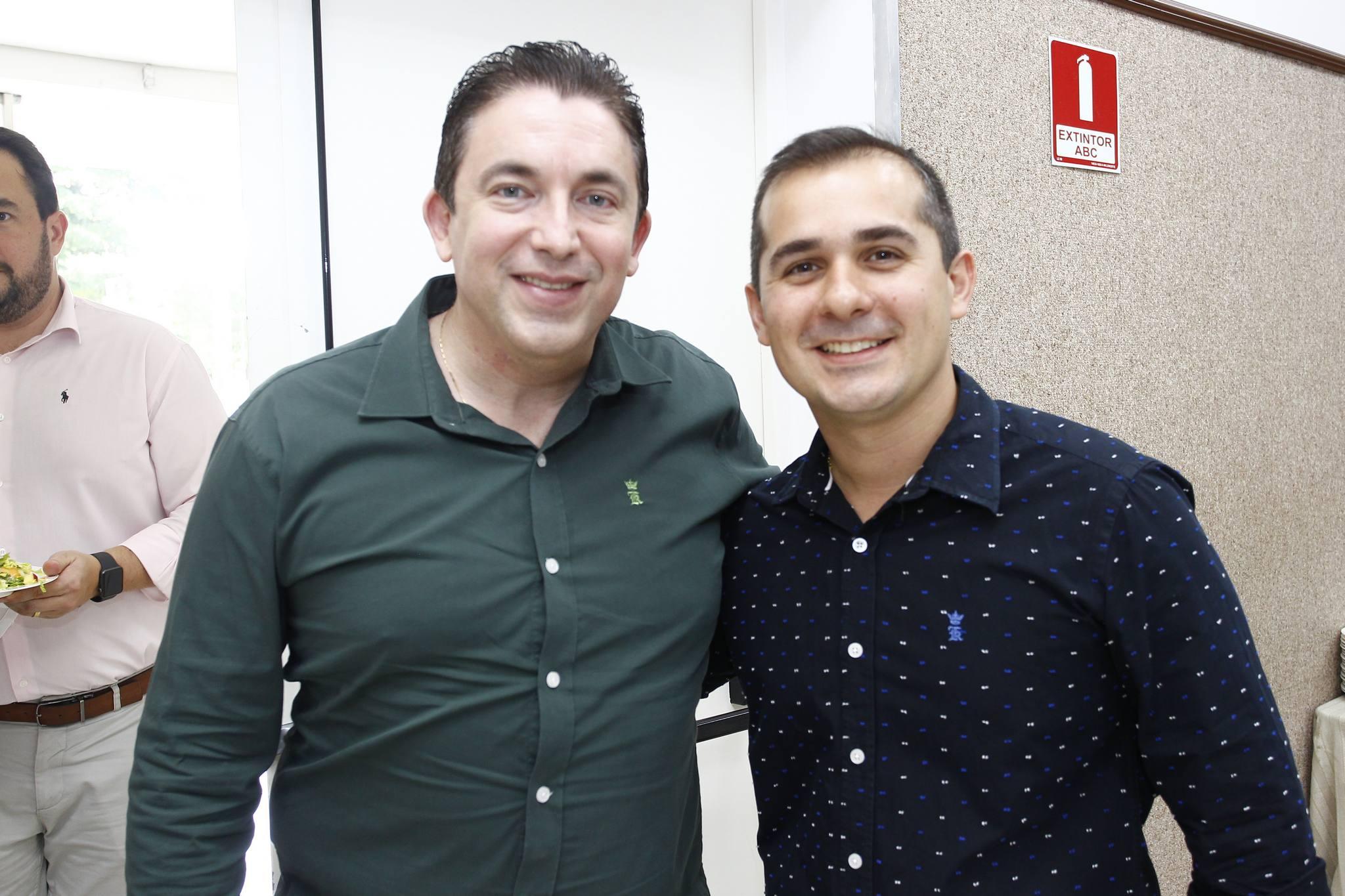 Rodrigo Pereira E Roberto Leite Junior