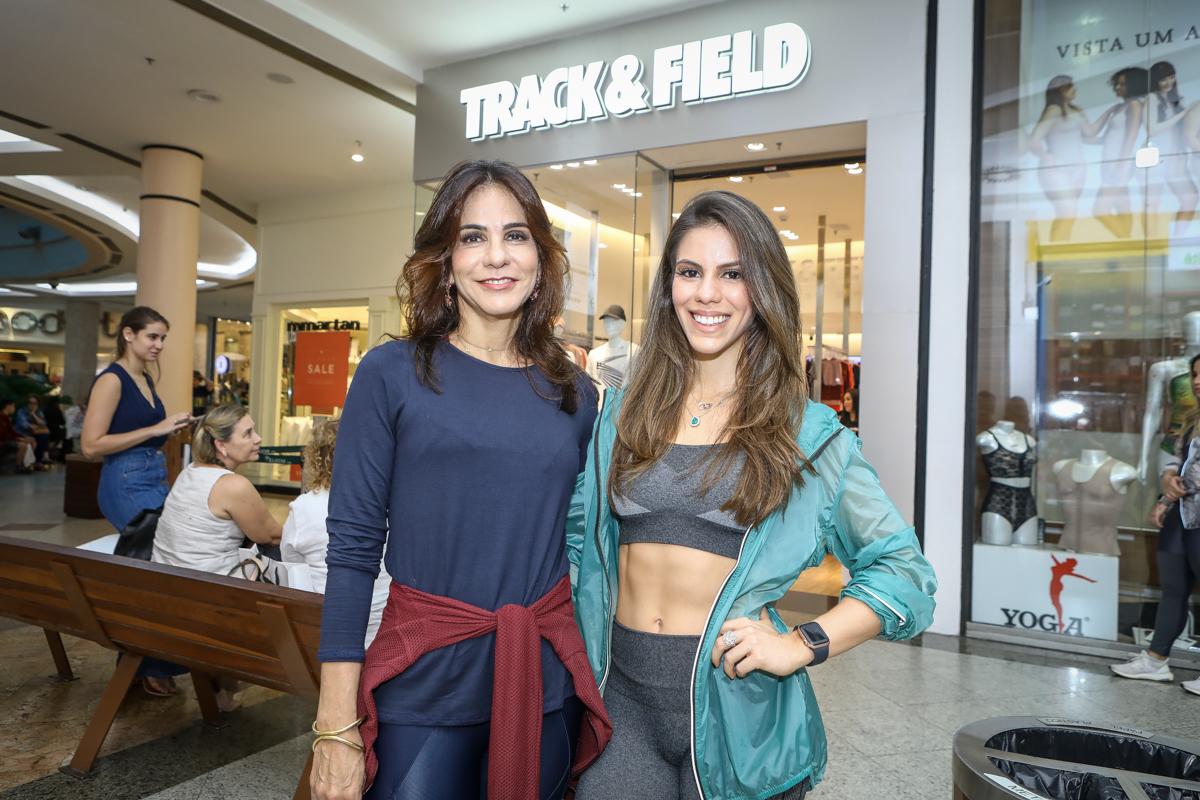 Sandra e Manuela Rolim recebem um time seleto no lançamento da nova coleção da Track & Field