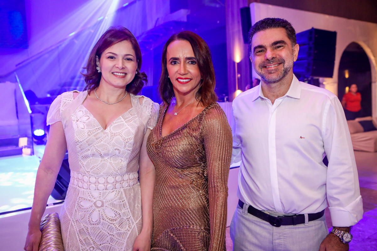 Sheyla Furtado, Carla Baide E Isaac Furtado