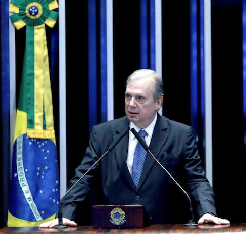 Tasso participa de videoconferência sobre a crise do coronavírus e critica a falta de comando do governo Bolsonaro
