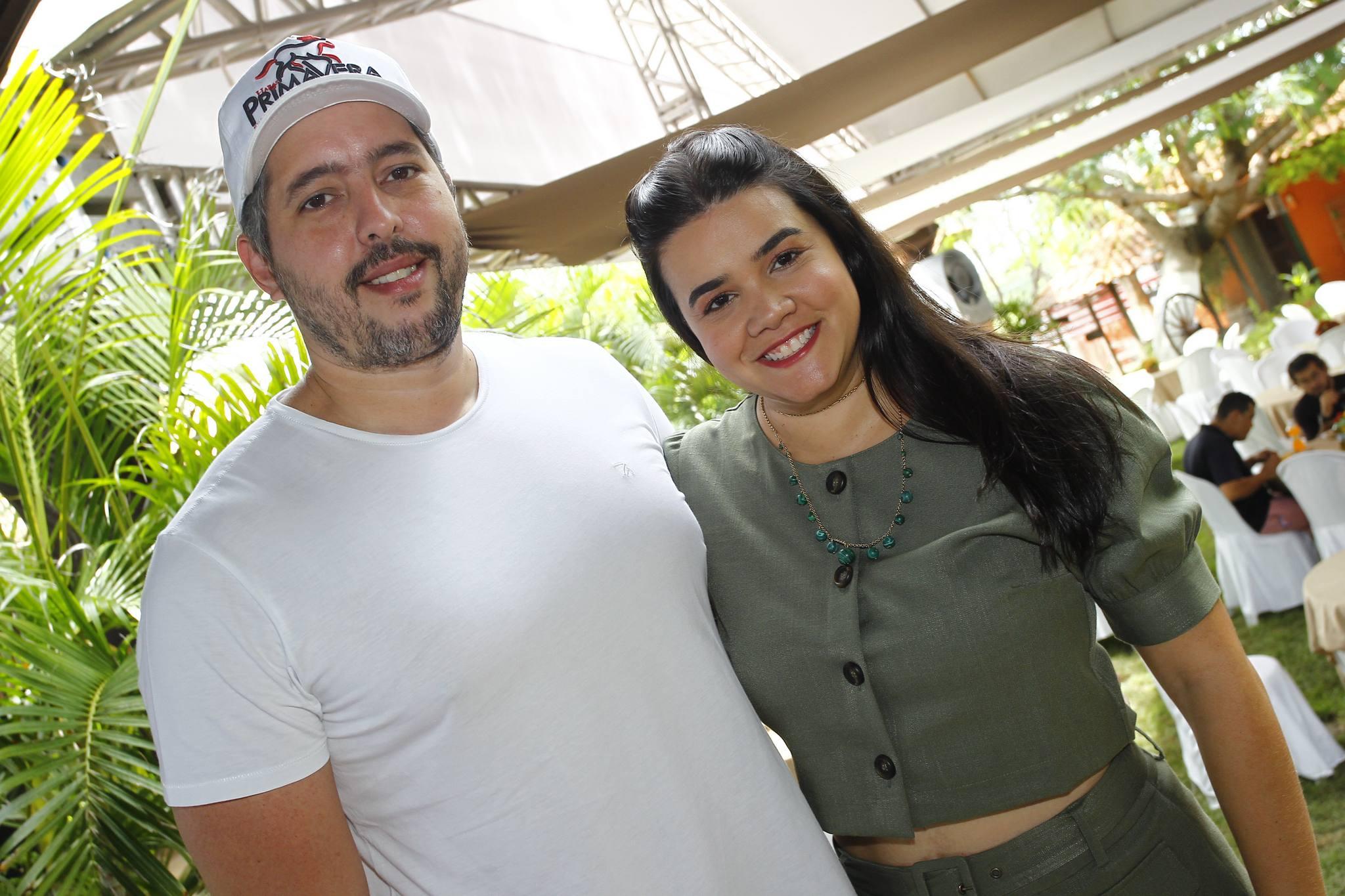 Tiago E Priscila Leal 2
