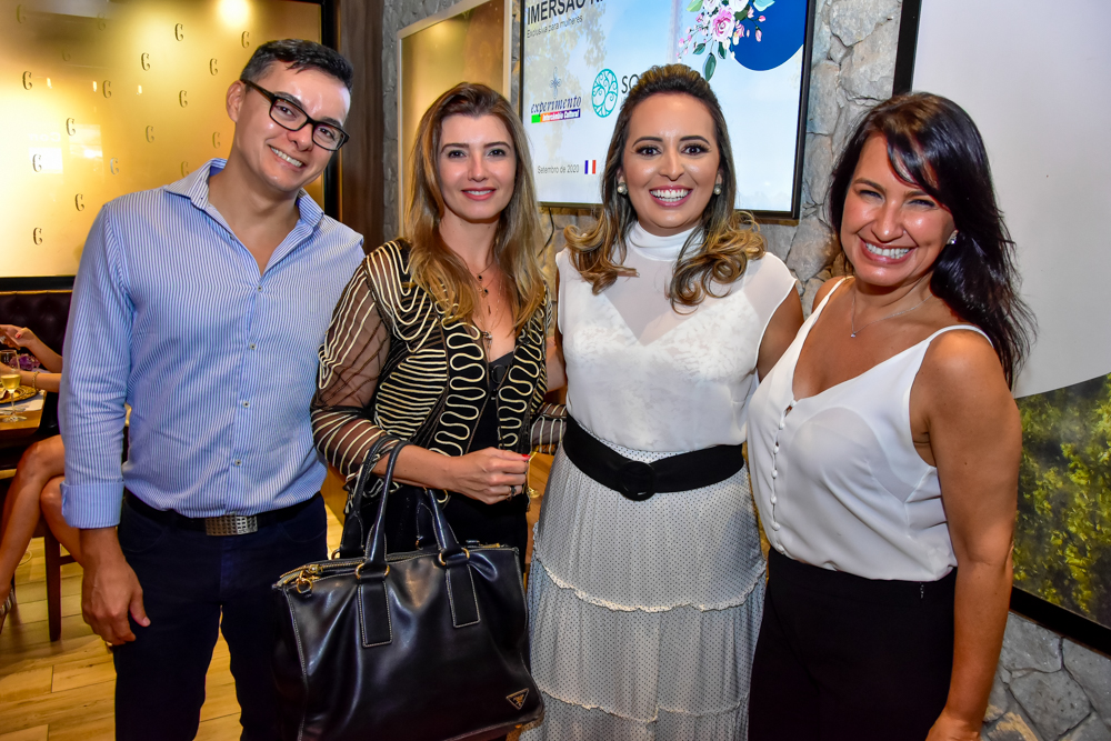 Wellington Oliveira, Thamara Azevedo, Janaina Ximenes E Carla Gama