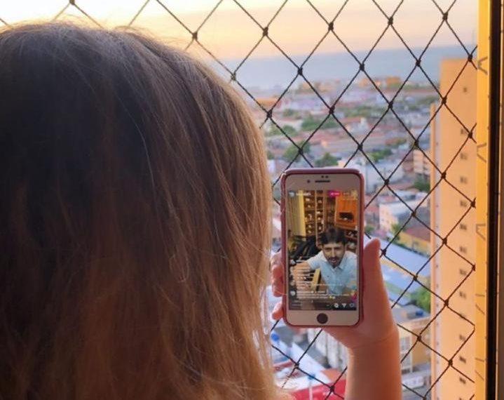 Felipe Adjafre encanta durante o concerto virtual do Pôr do Sol Fortaleza