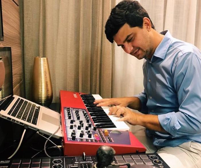 Paulo Rodrigo vai promover festival virtual com nove horas de música. Aos detalhes!