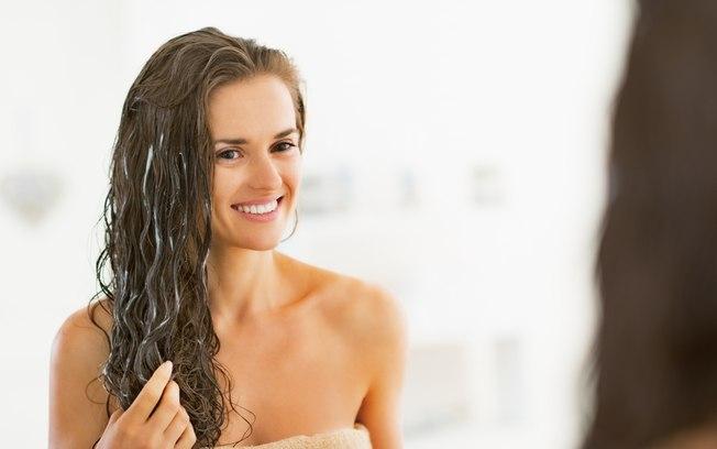 Walker Santiago entrega as dicas e produtos para manter os cabelos saudáveis em casa