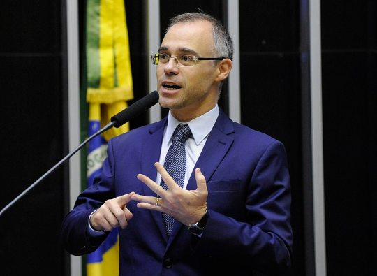 Bolsonaro nomeia André Mendonça para Ministério da Justiça e Segurança Pública