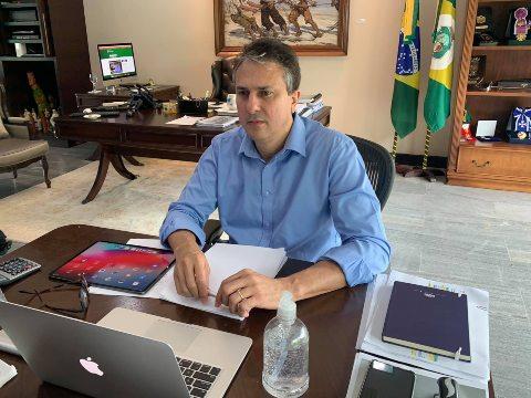 Camilo anuncia a distribuição de 423 mil cartões vales-alimentação para os estudantes da Rede Estadual de Ensino