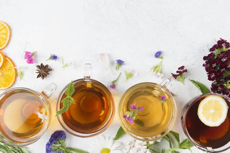 Confira quatro chás que podem te ajudar durante a quarentena