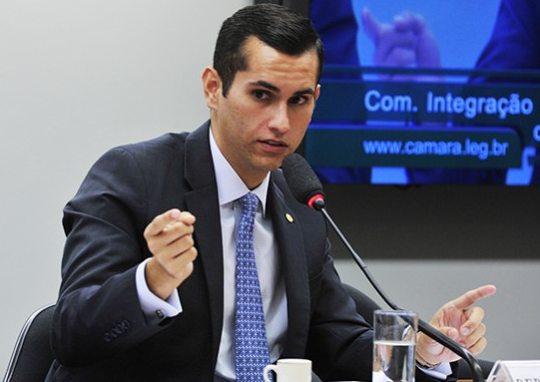 Covid-19: Domingos Neto critica a alta polarização que existe no Congresso