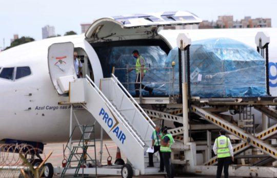 Roberto Cláudio destaca a chegada de quatro toneladas de EPIs a Fortaleza