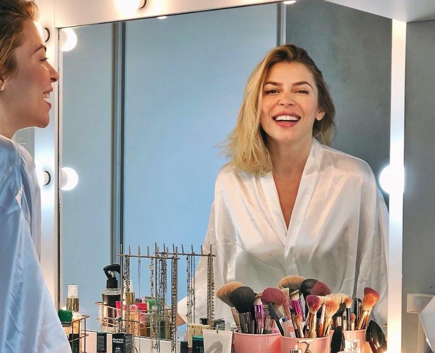"""Live do """"Iguatemi Em Casa"""" recebe Karla Alexandrina contando os segredos da boa maquiagem"""