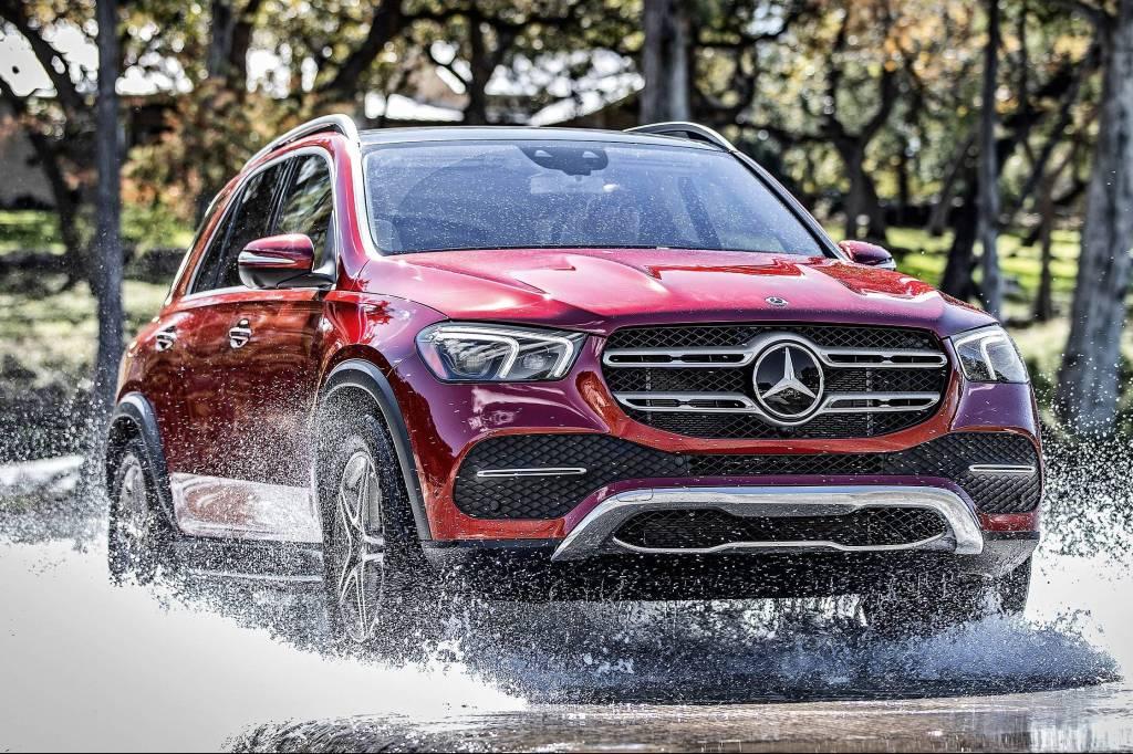 Newsedan Mercedes-Benz turbina sua web e se aproxima de seus clientes