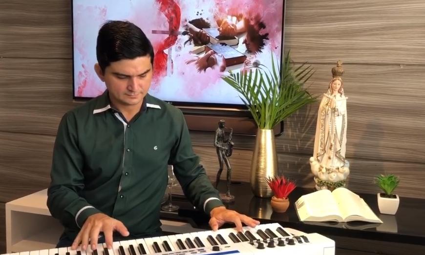Paulo Rodrigo dá start em projeto músical para vivenciar a semana santa em casa