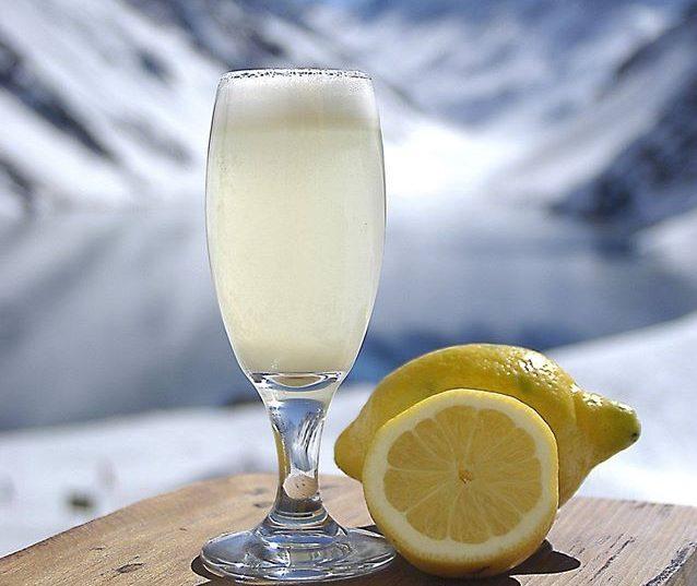 Estação de esqui chilena ensina a fazer o drink tradicional do Hotel Portillo em casa