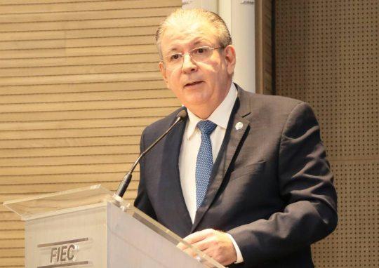 Ricardo Cavalcante cobra a chegada de recursos para as empresas e funcionários