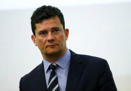 Sérgio Moro pede demissão do Ministério da Justiça por diversas pressões políticas