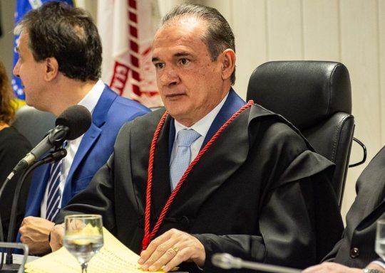 Washington Araújo derruba liminar que anularia contrato para gestão do Hospital de Campanha do Presidente Vargas
