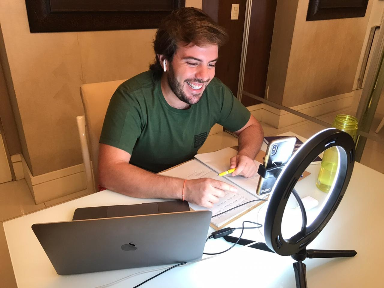 Cláudio Nelson promove lives interativas durante quarentena