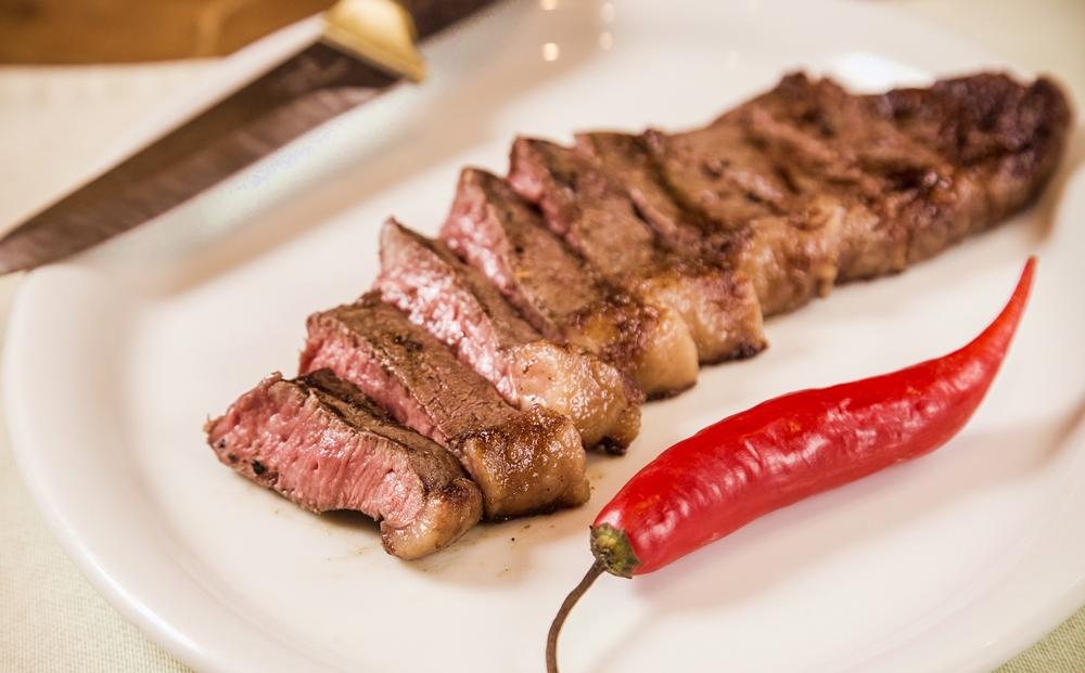 Com menus exclusivos, restaurantes do Grupo Geppos retomam almoço executivo