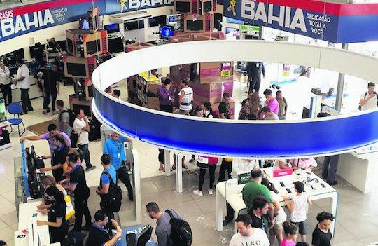 Via Varejo reabrirá 233 lojas físicas até quinta e tem forte alta nas vendas online