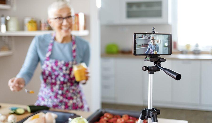 Quer começar a fazer lives ou gravar vídeos em casa? Confira as dicas!