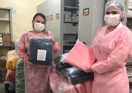 RioMar Fortaleza e Instituto JCPM doam 1.000 aventais para os hospitais da UFC