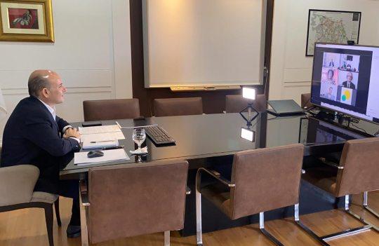 Roberto Cláudio participa de webinar internacional com o diretor-geral da OMS