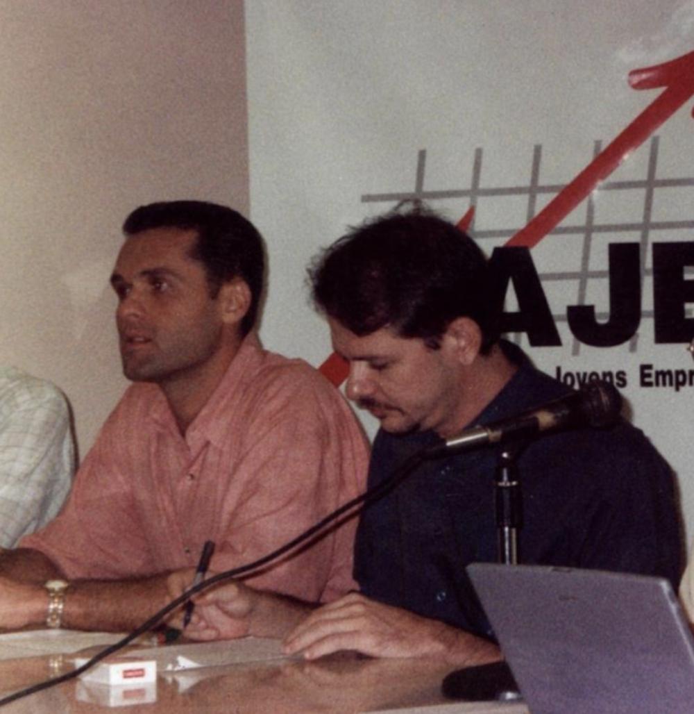 1999 Com O Então Prefeito Cid Gomes, Por Ocasião Da Fundação De Novas Ajes No Interior Do Estado
