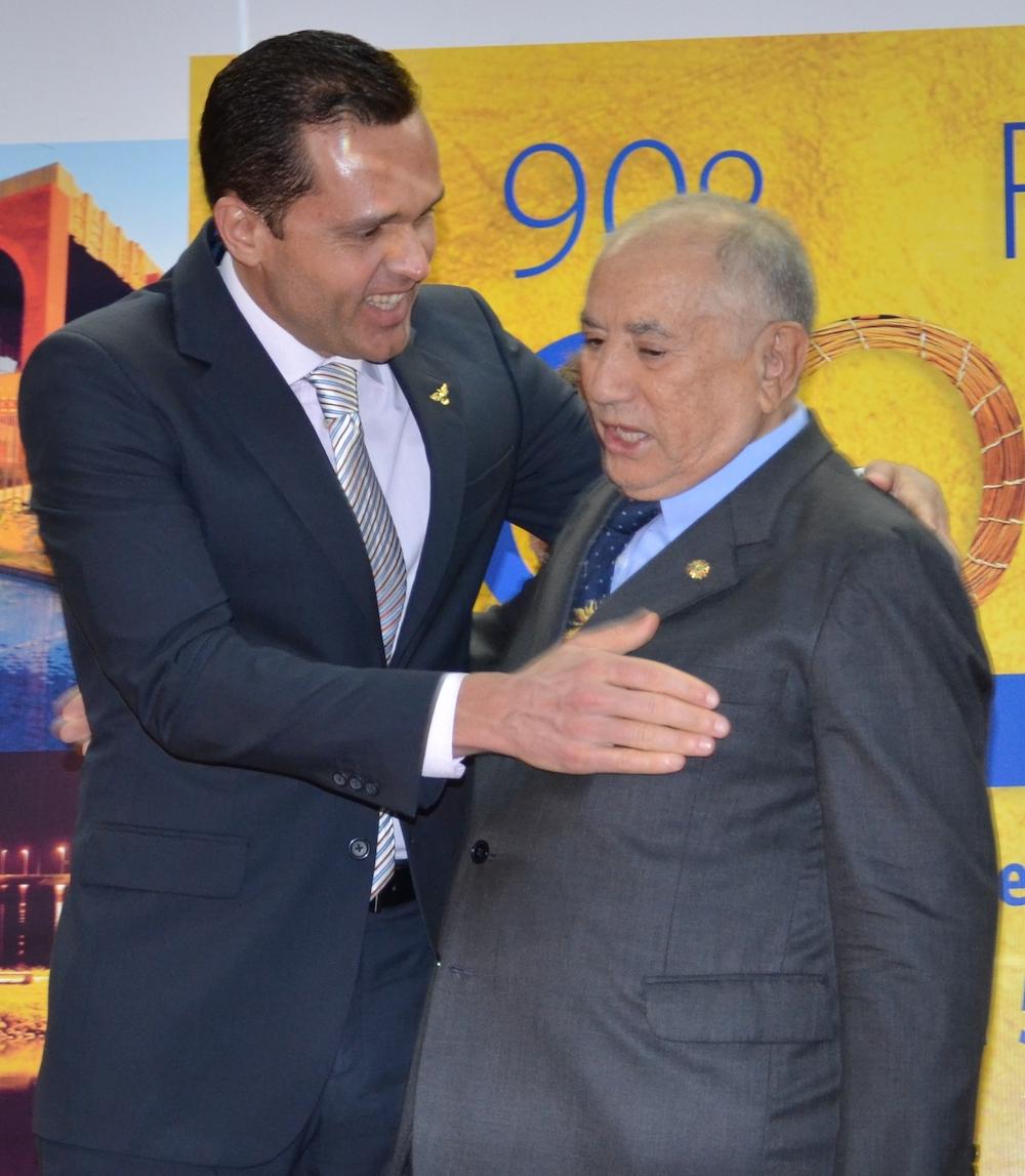 2012 Com O Então Governador De Tocantins Siqueira Campos, No Palácio Araguaia Em Palmas (to), No Ponto Do Centro Geodésico Do Brasil