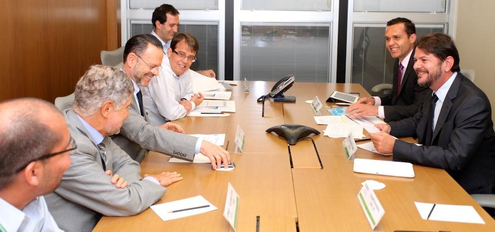 2012 Com O Então Presidente Do Bndes Luciano Coutinho, E O Governador Cid Gomes, Em Reunião Na Sede Do Bndes No Rio De Janeiro