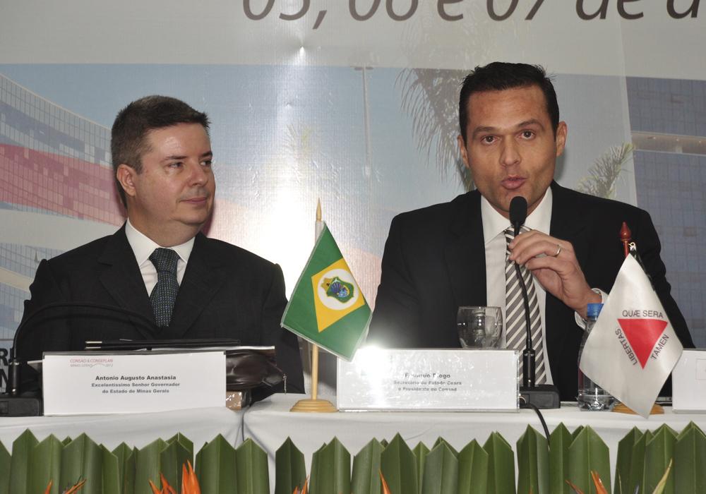 2013 Com O Então Governador De Mg Antonio Anastasia, Por Ocasião De Evento Em Belo Horizonte, Mg